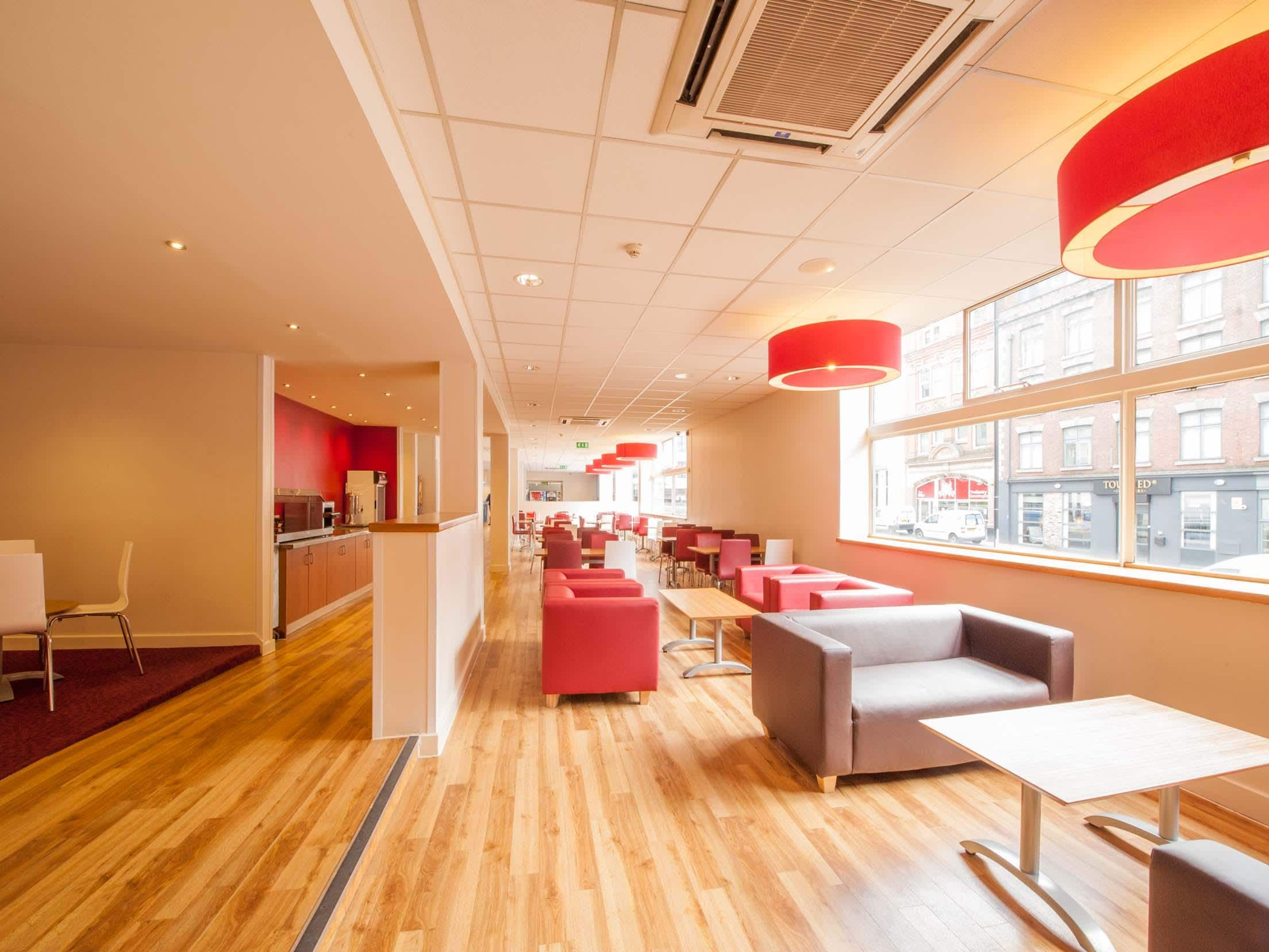 Travelodge Manchester Central Hotel Manchester Central Hotels - Travelodge location map uk