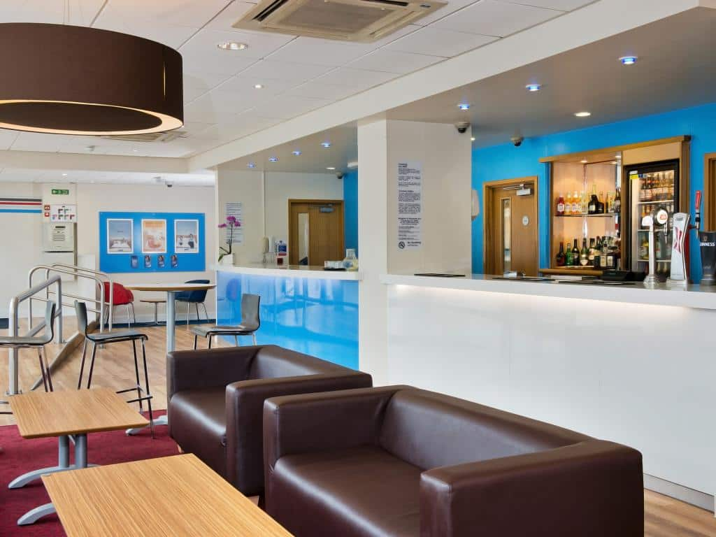 Living Room Bar Manchester Hotels Near Manchester Airport Ancoats Hotel Travelodge