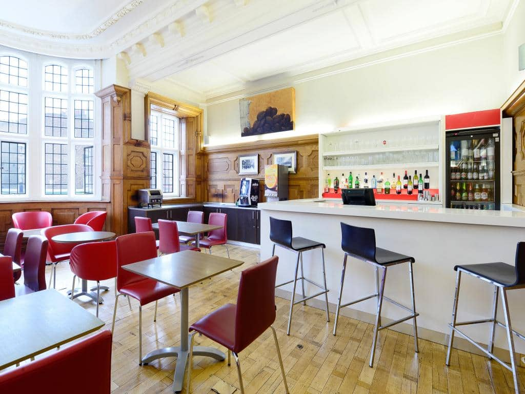 Hotel london cheap internet rates for kings cross hotels in london - London Central Kings Cross Bar Cafe