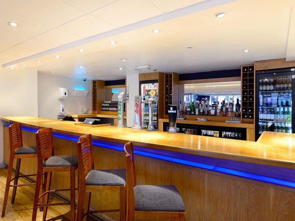 Hotel london cheap internet rates for kings cross hotels in london - London Central Kings Cross Royal Scot Restaurant And Bar