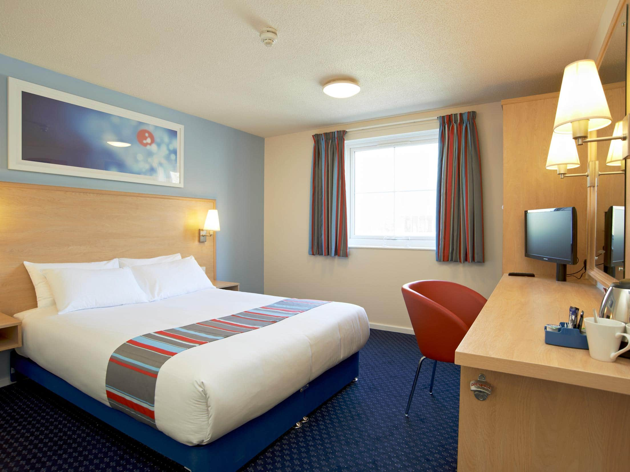 Travelodge Scotch Corner A1 Southbound Hotel   Moto Service Area, Middleton Tyas Lane, Scotch Corner (A1/A66), Richmond DL10 6PQ   +44 871 984 6176