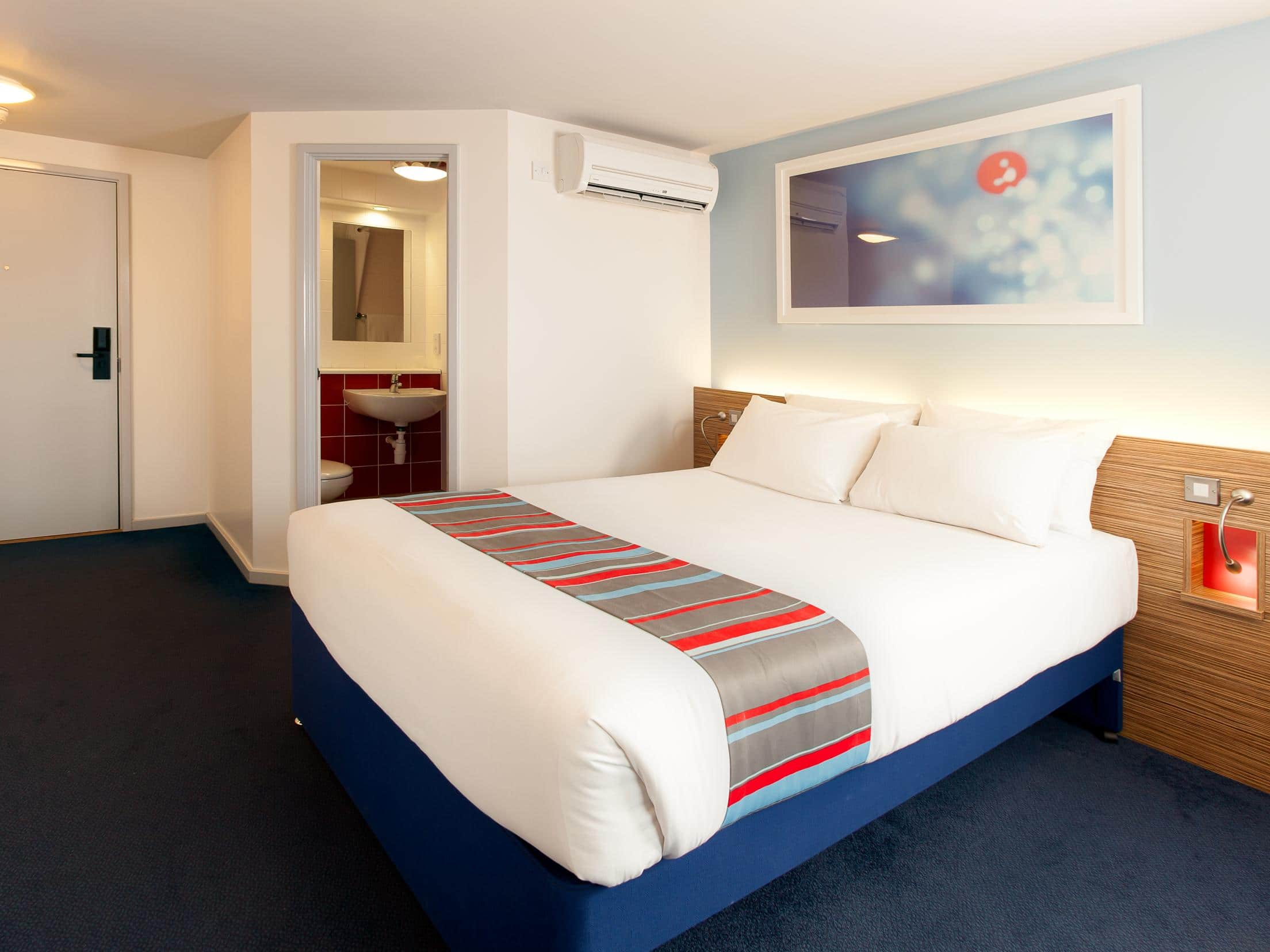 Travelodge Macclesfield Central Hotel Macclesfield Central Hotels - Travelodge location map uk