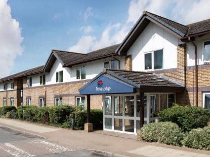 Travel Lodge Bicester Cherwell Valley M40