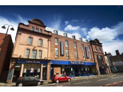 Derry - Hotel exterior