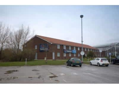 Doncaster M18/M180 - Hotel exterior