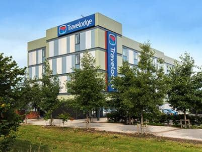 Doncaster Lakeside - Exterior