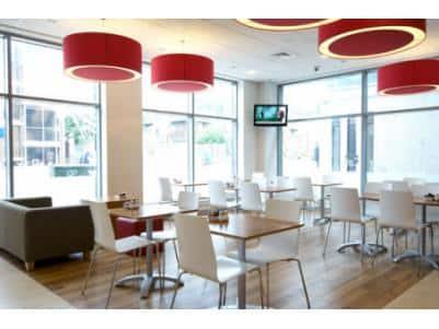Farnborough Central - Bar-Café