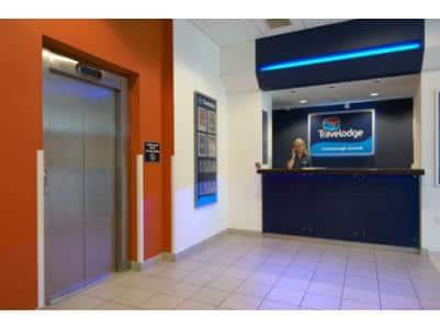 Farnborough Central - Recepción del hotel