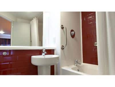 Lytham St Annes - Family bathroom