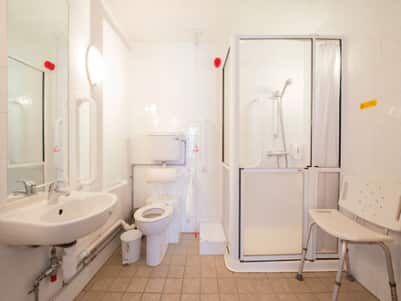 Leeds Central Vicar Lane - Accessible bathroom