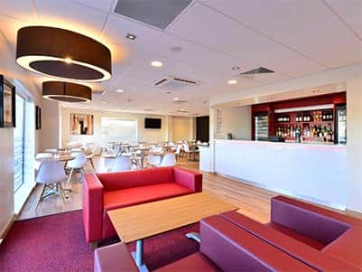 Andover hotel bar and restaurant