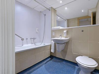 London Central Aldgate East Bathroom