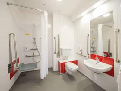 Tunbridge Wells - Accessible bathroom