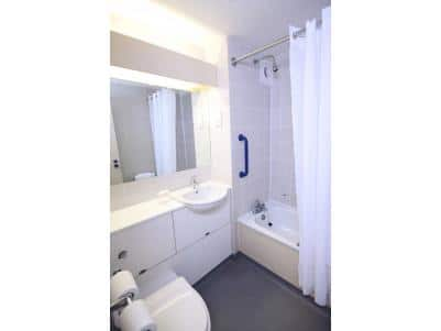 Great Yarmouth Acle - Family bathroom