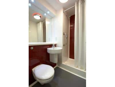 Ipswich - Double bathroom