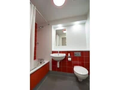Limerick Castletroy - Family bathroom