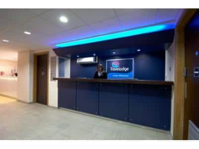 London Whetstone - Hotel reception