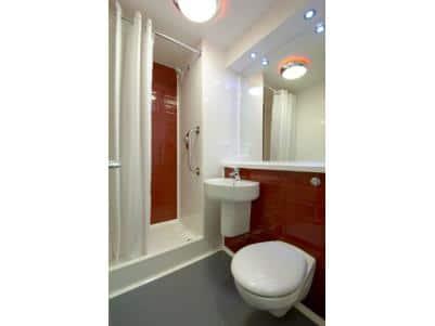 Maidenhead Central - Double bathroom