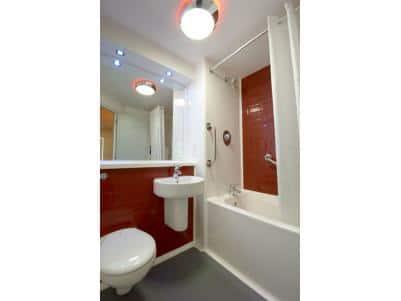 Maidenhead Central - Family bathroom