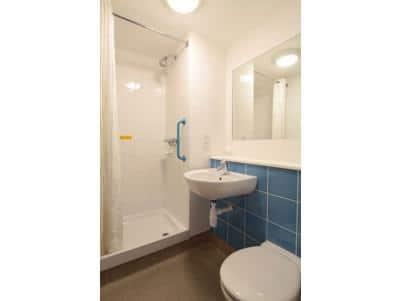 Newport Isle of Wight - Double bathroom