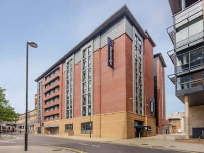 Sheffield Central - Hotel exterior