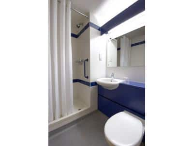 Staines - Double bathroom