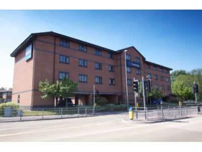 Warrington Central - Hotel exterior