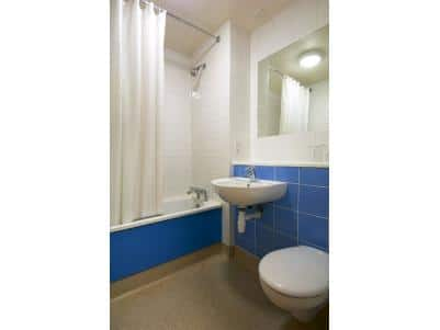 Waterford - Family bathroom