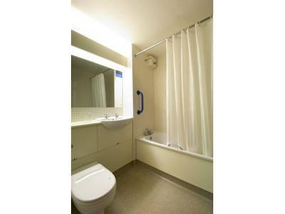 Waterford - Twin bathroom