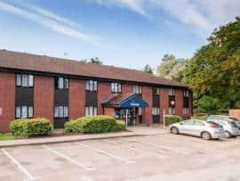 Barton Mills - Hotel exterior