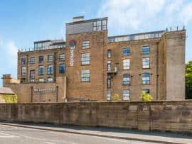 Glossop - Hotel exterior