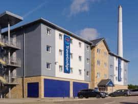 Huddersfield - Hotel exterior