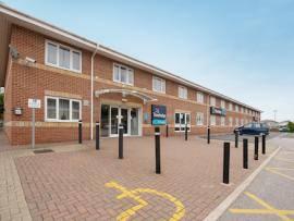 Mansfield - Exterior