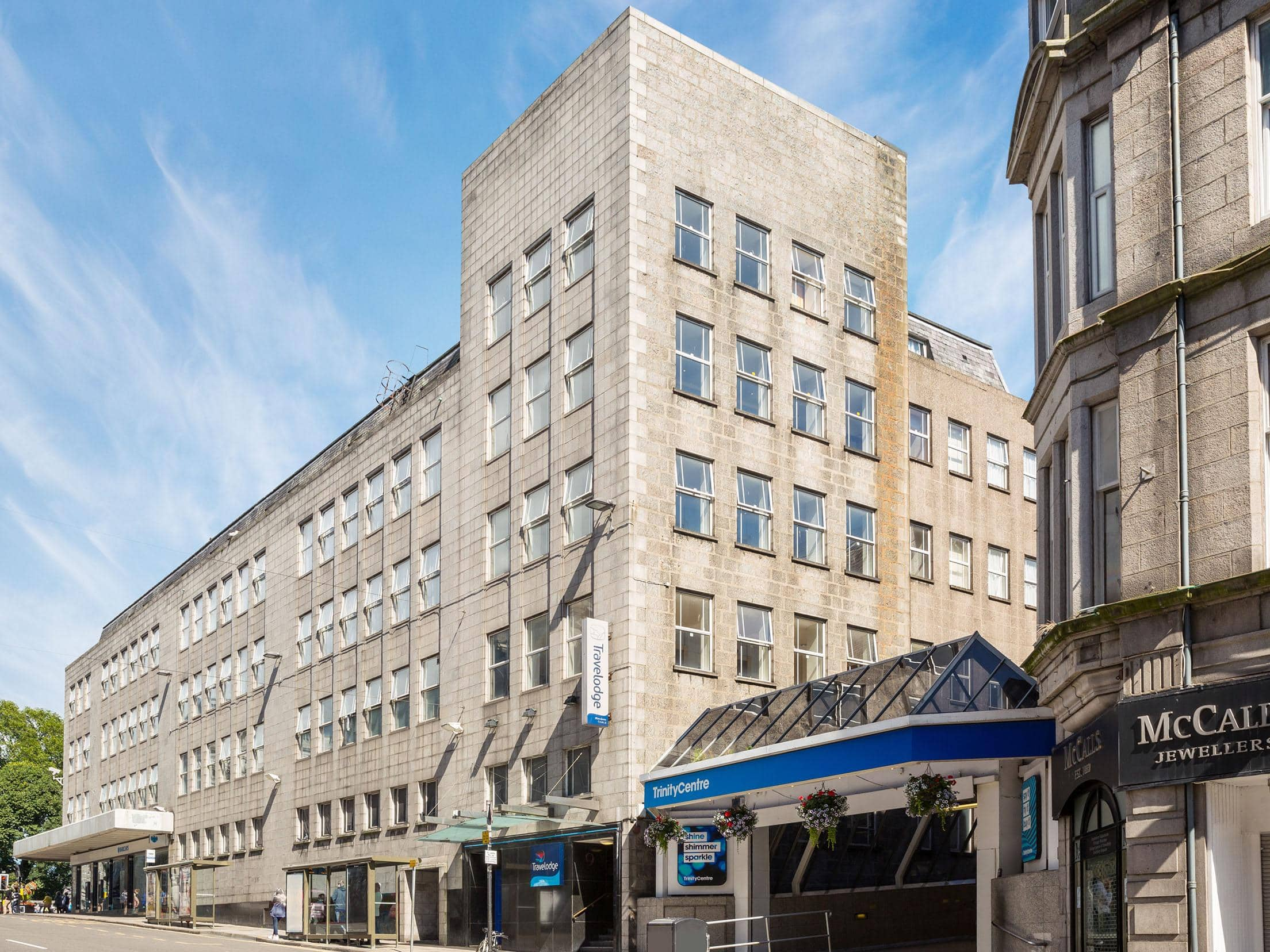 Aberdeen Central - Exterior