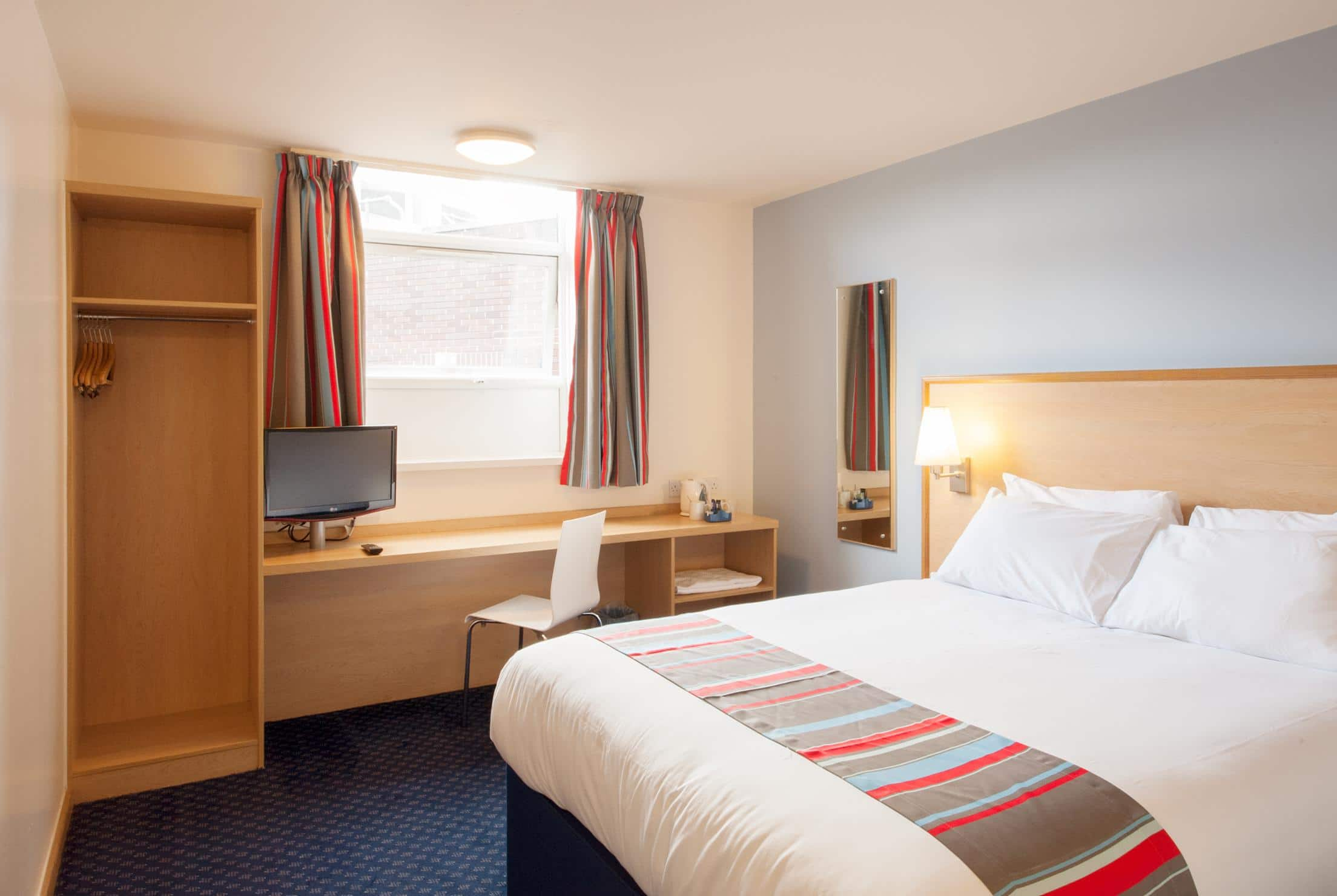 Hotel london cheap internet rates for kings cross hotels in london - Double Room