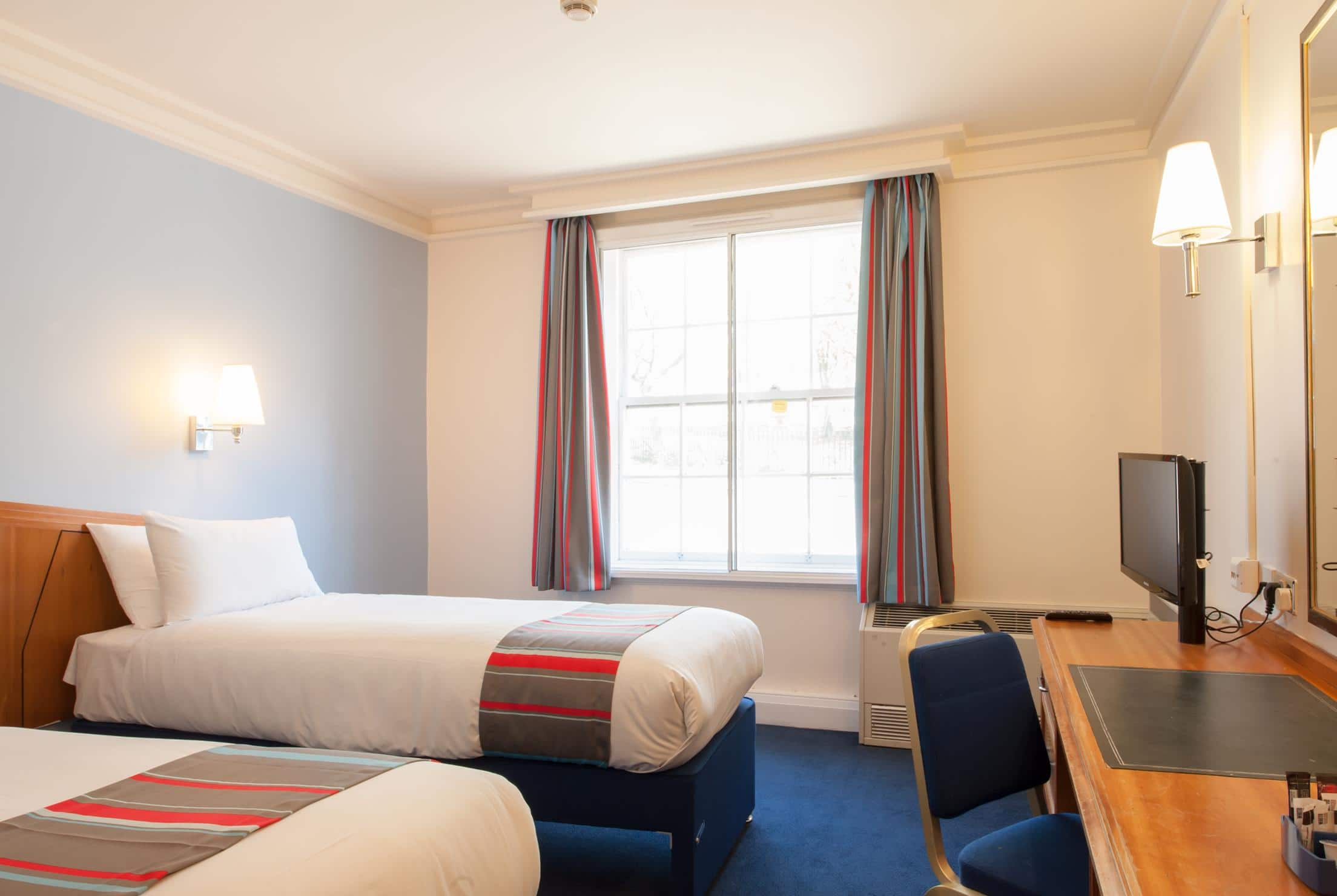 Hotel london cheap internet rates for kings cross hotels in london - Twin Room