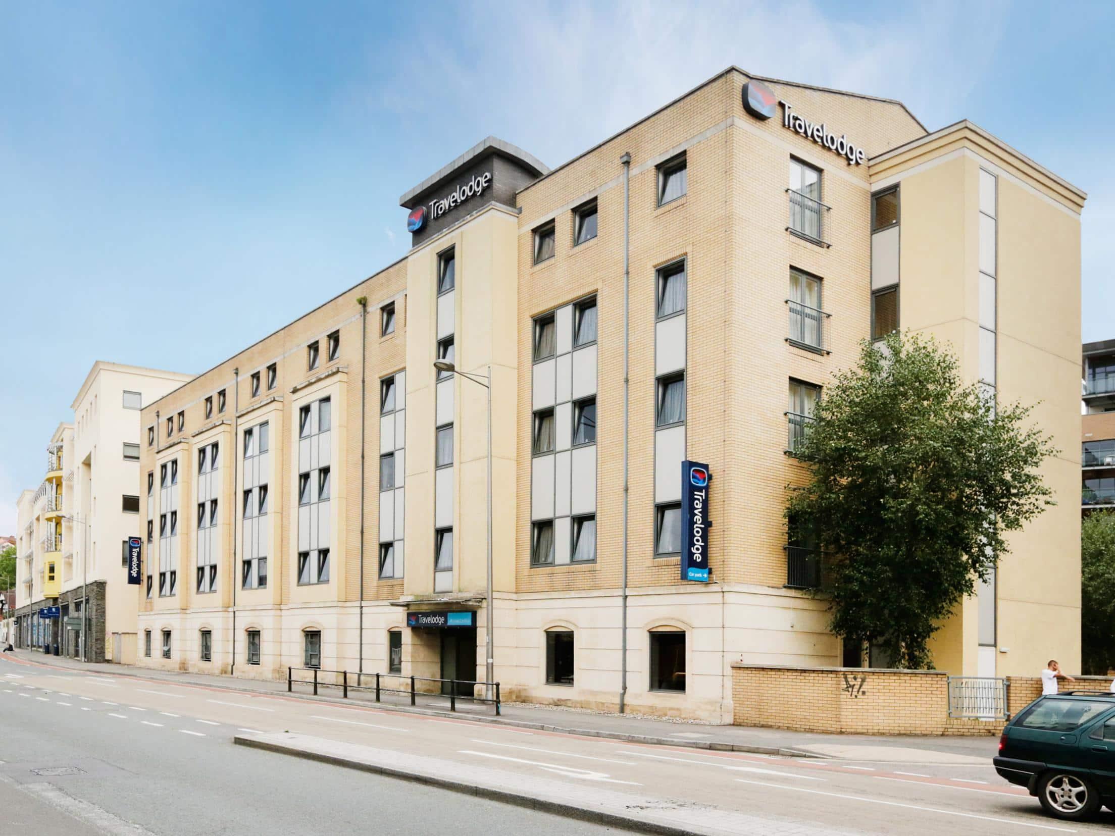 Bristol Central - Exterior